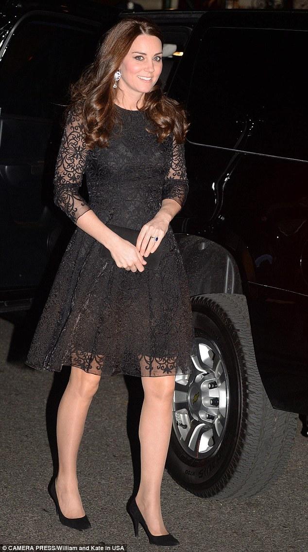 Kate in schwarze Jacke