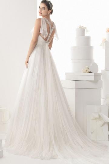 Schlichtes langes weißes Brautkleid 2015