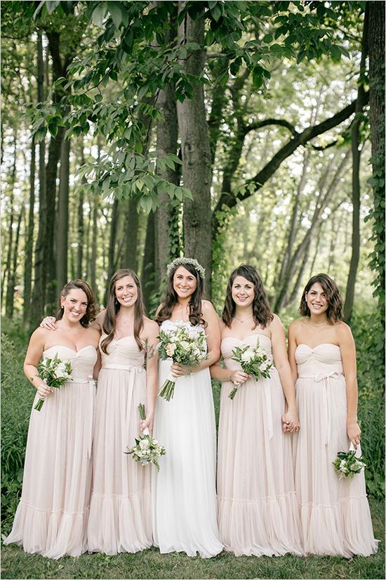 Brautjungfern und Braut