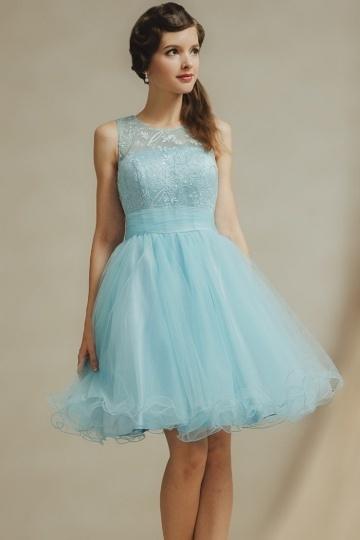 Schönes kurzes blaues Brautjungfernkleid