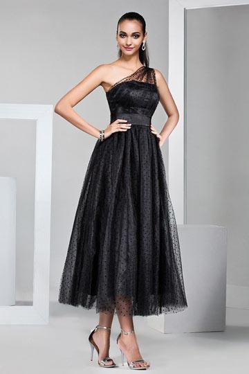 Modisches Schwarzes Abendkleid