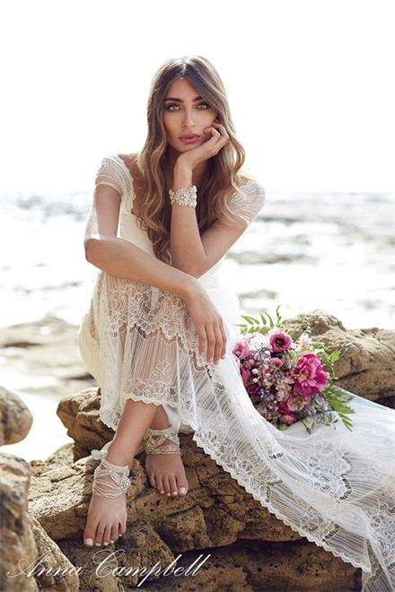 Anna-Campbell-Spirit-Bridal0019-550x825