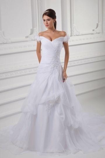 Schön A Linie Trägerlos Hochzeitskleid