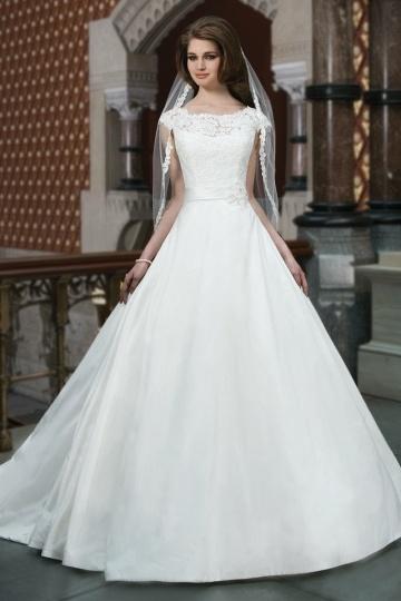 Ivory Hochzeitskleider im Prinzessin Stil - Persunkleid.de