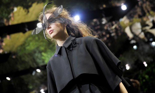 Dior Fashion in Schwarz